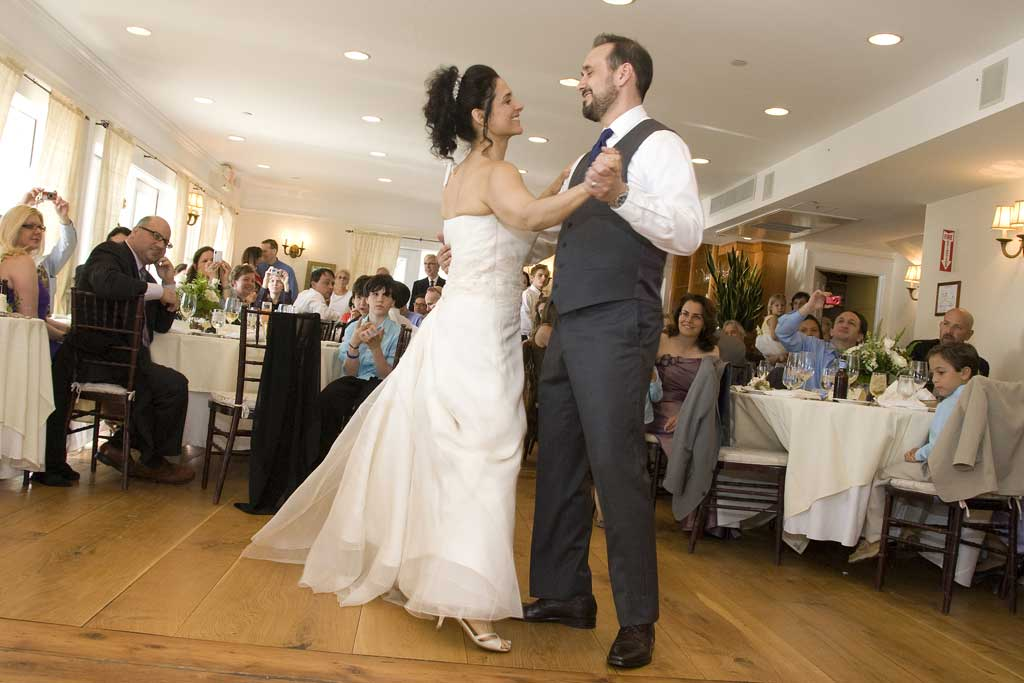 Abbie & Gregg First Dance at Wedding